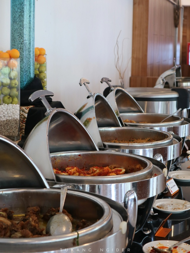 Tukang Ngider - Amaris Hotel Cirebon - Breakfast