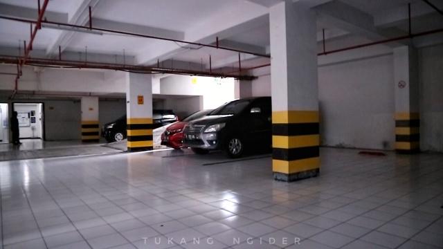 Tukang Ngider - Neo Hotel Dipatiukur Bandung - Parkir