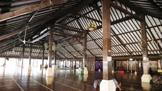 Tukang Ngider - Masjid Agung Sang Cipta Rasa